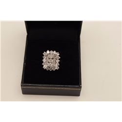 Approx. 1 ct Diamond Ring mounted in 14k  White Gold. Vintage Estate piece. Weights  approx. 5 gr. E