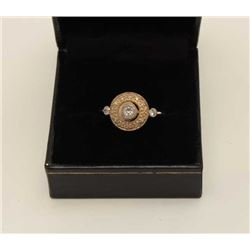 Aprox. 1/2ct Diamond mounted in 14k Yellow  Gold. Vintage Estate piece. Est$250-500