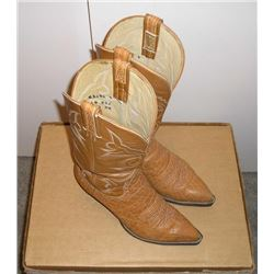 Mens Exotic Cowboy Boots. Tan elephant lower  with stitched pattern upper. Hondo boots size  8 1/2 D