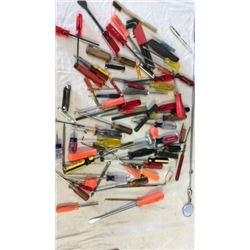 Box lot of screw driver extending mirrors and