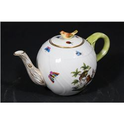 Herend Porcelain Teapot in Rothschild Pattern