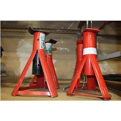 TWO PAIR OF JACKSTANDS