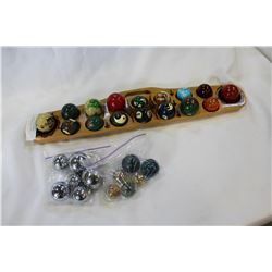 WOOD GAME BOARD W/LARGE MARBLES AND METAL BALLS