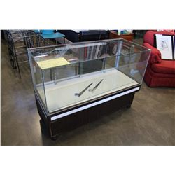 ROLLING GLASS DISPLAY CASE, CRACKED TOP GLASS