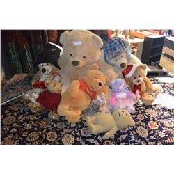 LARGE BAG OF STUFFED ANIMALS