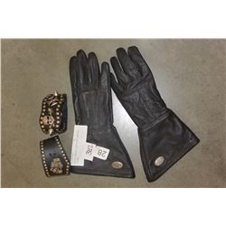 LADIES HARLEY DAVIDSON LEATHER GLOVES AND CUBAN LICENSE PLATE