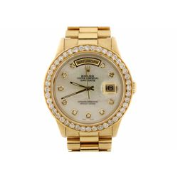 ROLEX: Men's 18ky Rolex Oyster Perpetual Day Date President watch; Mother of pearl face; (10) SC dia