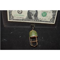 ZZ-CLEARANCE MINIATURE METAL LIGHT FIXTURE