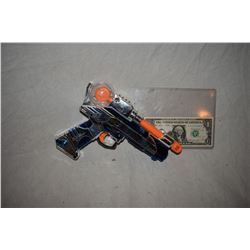 ZZ-CLEARANCE DISNEY SCREEN USED ALIEN BLASTER RAY GUN 05