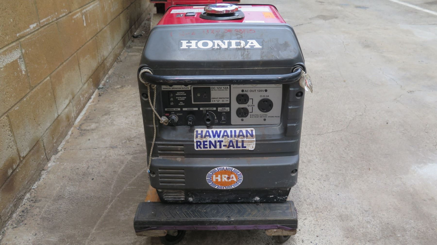 ... Image 2 : Honda 3,000 Watt Super Quiet Generator Electric Start Gas ...