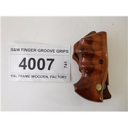 S&W FINGER GROOVE GRIPS