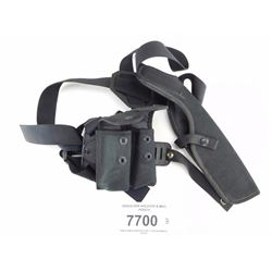 SHOULDER HOLSTER & MAG POUCH