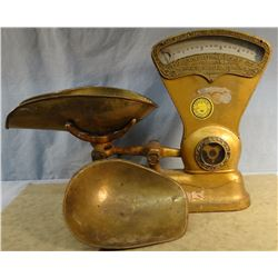 Dayton hardware scale, brass pan