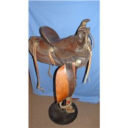 Fred Mueller stock saddle, flower stamped, 14""