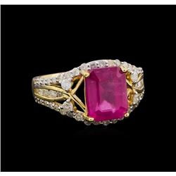 4.66 ctw Ruby and Diamond Ring - 14KT Yellow Gold