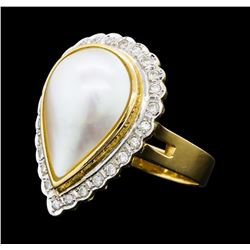 0.40 ctw Diamond and Mabe Pearl Ring - 14KT Yellow Gold