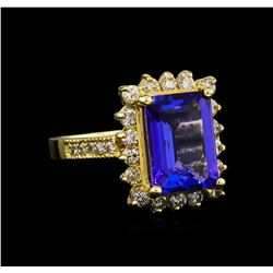 14KT Yellow Gold 5.32 ctw Tanzanite and Diamond Ring
