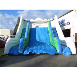 INFLATABLE EVEREST SLIDE INCLUDES 1 PUMP SIZE
