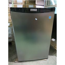 DANBY STAINLESS AND BLACK BAR FRIDGE MODEL DCR122BSLDD
