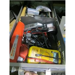 TRAY OF ASSORTED MULTIMETERS/TAPE MEASURES/SMALL TOOLS