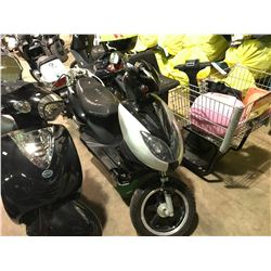 SILVER AND BLACK MTORINO ELECTRIC  SCOOTER   (NO  REGISTRATION OR KEY OR CHARGER)