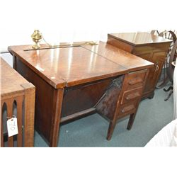 Antique mission style single drawer quarter cut oak desk with book storage on each end