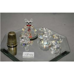 Selection of Swarovski crystal including two clam shells, one with pearl, small swan and a bear on s