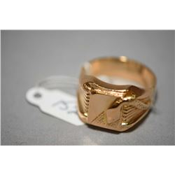 Gent's 18kt yellow gold signet ring with snake motif decoration. Retail replacement value $2,015.00