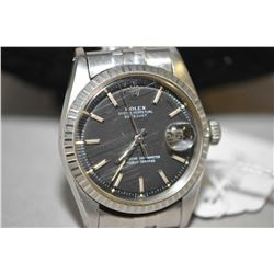 Gent's vintage Rolex Datejust 1603 self winding watch with stainless steel band and matte black dial
