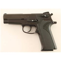 Smith & Wesson 910 9mm SN: VDC4226