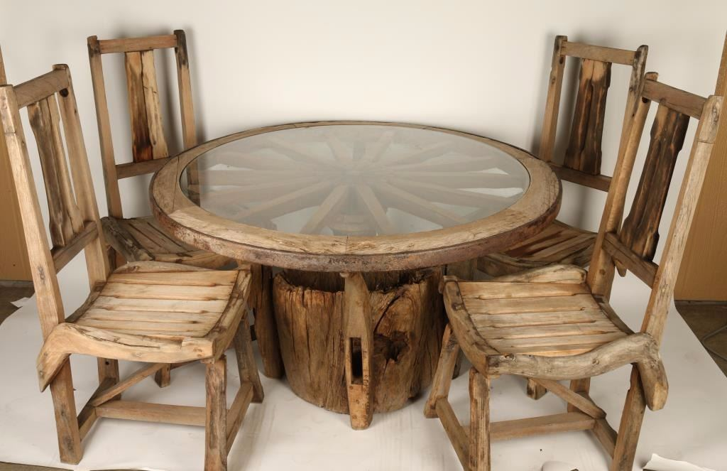 Image 1 : Rustic Wagon Wheel Dining Table ...