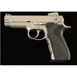 Smith & Wesson 4006 .40 S&W SN: TFL4423
