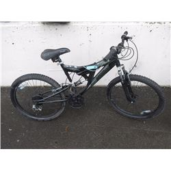 "24 Speed Free Spirit ""Merge"" Mountain Bike"