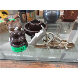 3 Ceramic Insulators & Record WoodPlane