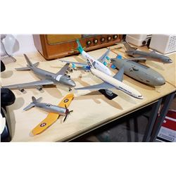 LOT OF 5 MODEL PLANES & ONE BLIMP