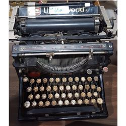1920'S UNDERWOOD UPRIGHT TYPEWRIGHTER