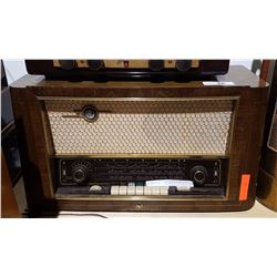 RCA MANTLE RADIO