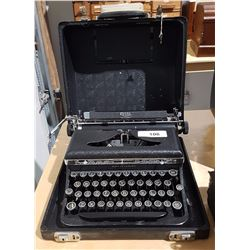 ROYAL DELUXE PORTABLE TYPEWRITER IN CASE
