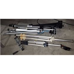 LOT OF 5 CAMERA/MOVIE CAMERA TRI-PODS