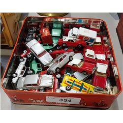 SMALL BOX LOT MISC DIE CAST CARS
