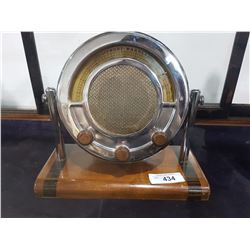LATE 1930'S STEWART WARNER RADIO