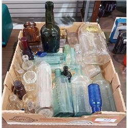BOX LOT OF COLLECTIBLE BOTTLES