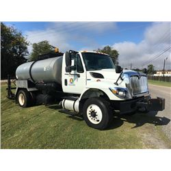 2010 INTERNATIONAL 7300 WorkStar Distrubutor Truck, VIN/SN:1HTZZAARXAJ262817 - S/A, 7.6L Int. Maxxfo