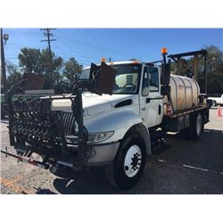 2004 INTERNATIONAL 4400 Sprayer Truck, VIN/SN:1HTMKAAR14H664512 - S/A, Int. DT466 engine, Allison A/