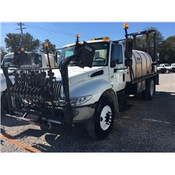 2003 INTERNATIONAL 4400 Sprayer Truck, VIN/SN:1HTMKAAR13H573383 - S/A, Int. DT466 engine, Allison A/