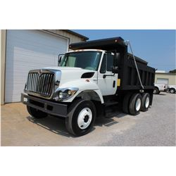 2010 INTERNATIONAL 7400 WorkStar Dump Truck, VIN/SN:1HTWHAAR1AJ245071 - T/A, 7.6L 300 HP Int. Maxxfo
