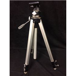 VELBON ADJUSTABLE TRIPOD
