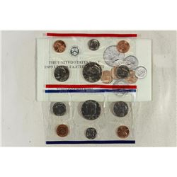 1989 US MINT SET (UNC) P/D (WITH ENVELOPE)