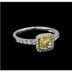 14KT White Gold 1.05 ctw SI1/Light Yellow Diamond Ring