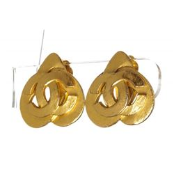 Chanel Gold CC Logo Heart Clip On Earrings